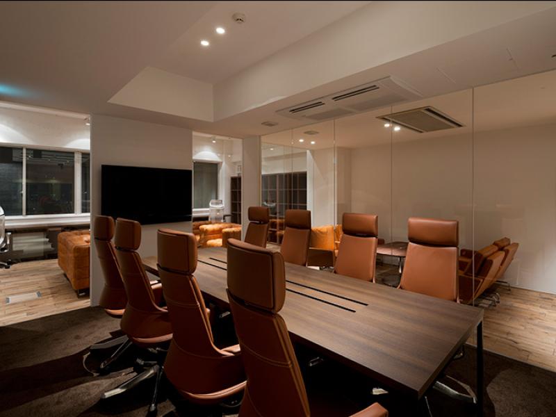 会議室(新宿のオフィスビル)